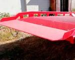 6) le matériau pour le pont d'entrée (le point de contact du chevalet et du camion) est une plaque blindée d'une épaisseur allant jusqu'à 20 mm, offrant une super-fiabilité dans un usage intensif.
